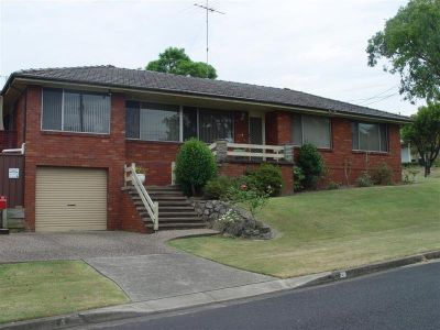 6 MONTH LEASE ONLY  -  BEAUTIFUL FAMILY HOME !!