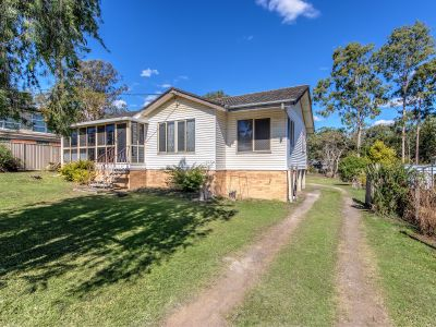 RENOVATERS DELIGHT THIS MUST SELL