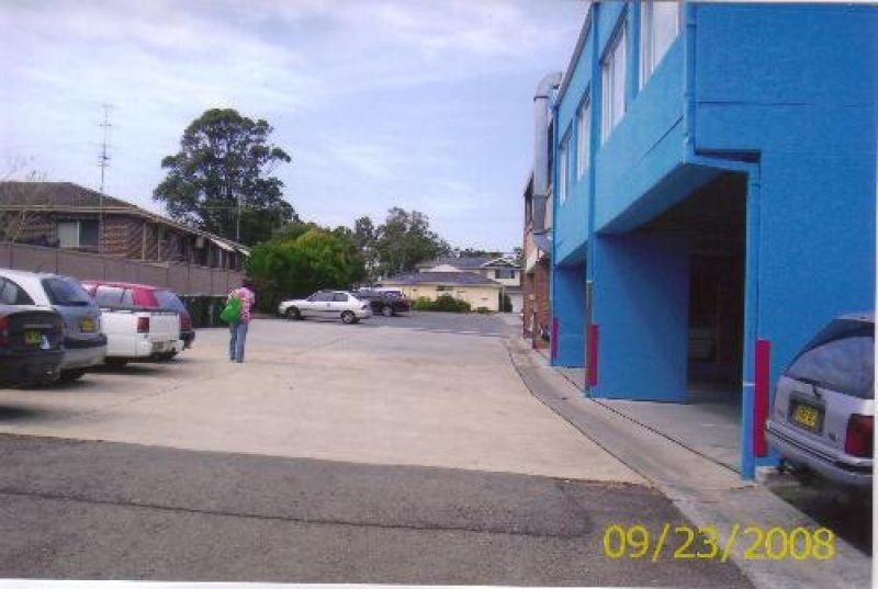 COMMERCIAL PROPERTY - GOOD INCOME - DEVELOPMENT OPPORTUNITY