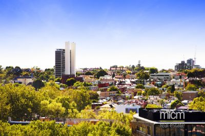 The Best in Stylish and Open St Kilda Road Living!