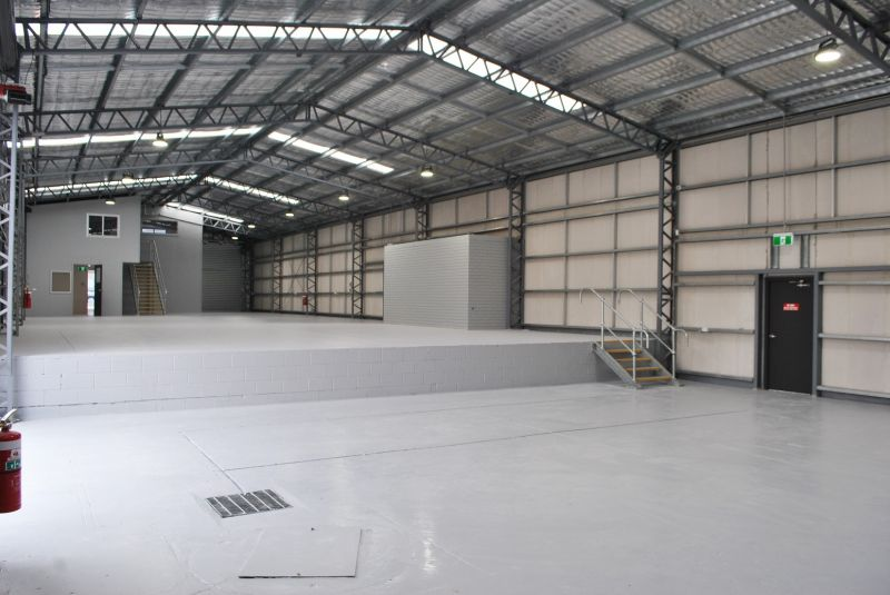 Brand New Showroom /Warehouse in Moss St 461m2*