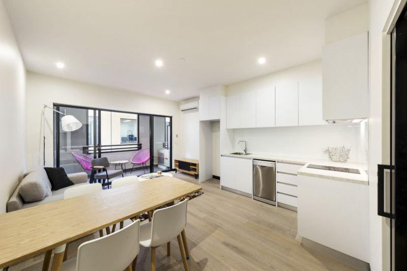 Stylishly Furnished One Bedroom Apartment on Flinders Lane!