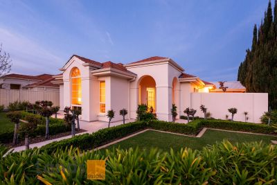 Stunning Villa Style Residence with Immaculate Presentation.
