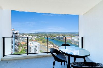 High Floor, 2 Bedroom Apartment With Views, Views, Views!