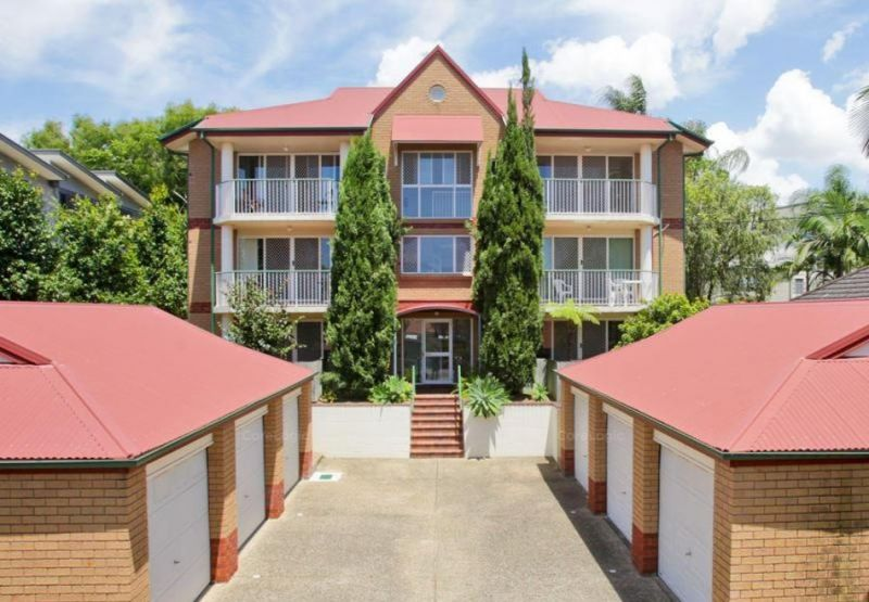 GREAT LOCATION - WALK TO MORNINGSIDE CENTRAL