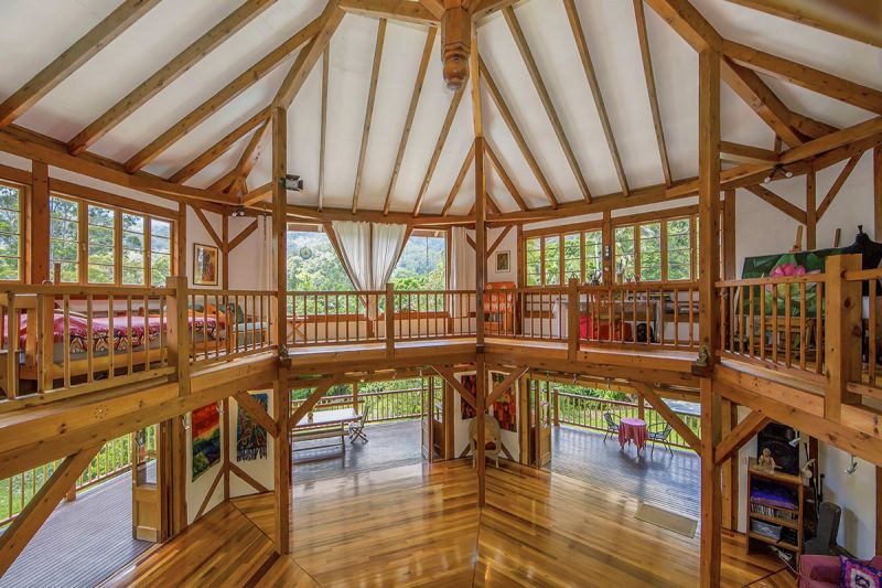 MULTIPLE CRAFTSMAN BUILT DWELLINGS - PERFECT FOR THE PASSIVE INCOME.