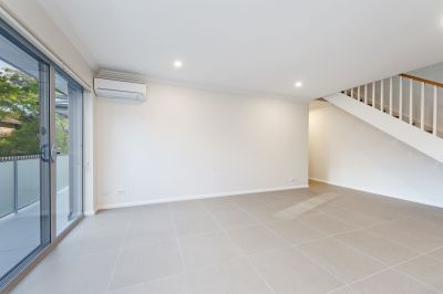 AS NEW DOUBLE STOREY APARTMENT
