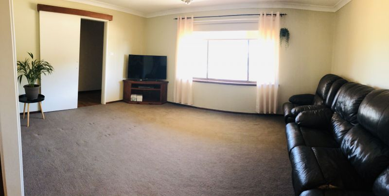For Sale By Owner: 27 Goldfields Road, Dowerin, WA 6461
