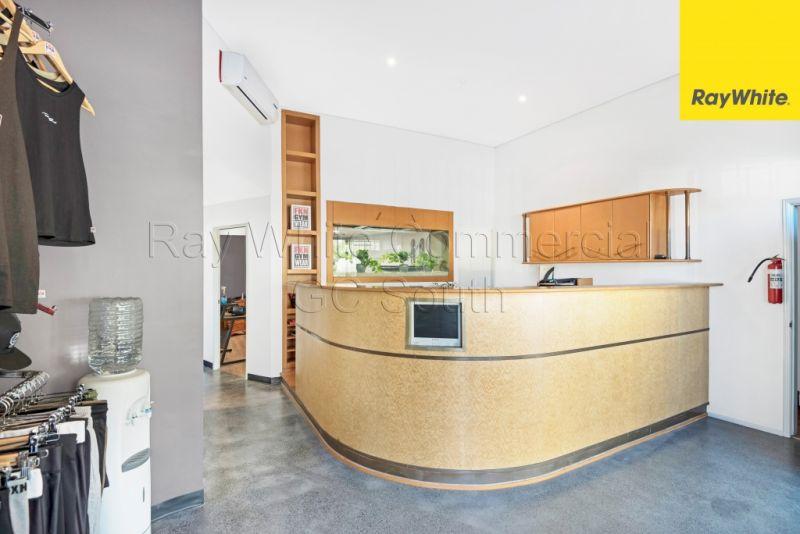 Showroom/Warehouse & Residence