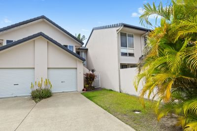 Spacious Three Bedroom Townhouse  Unbeatable Location