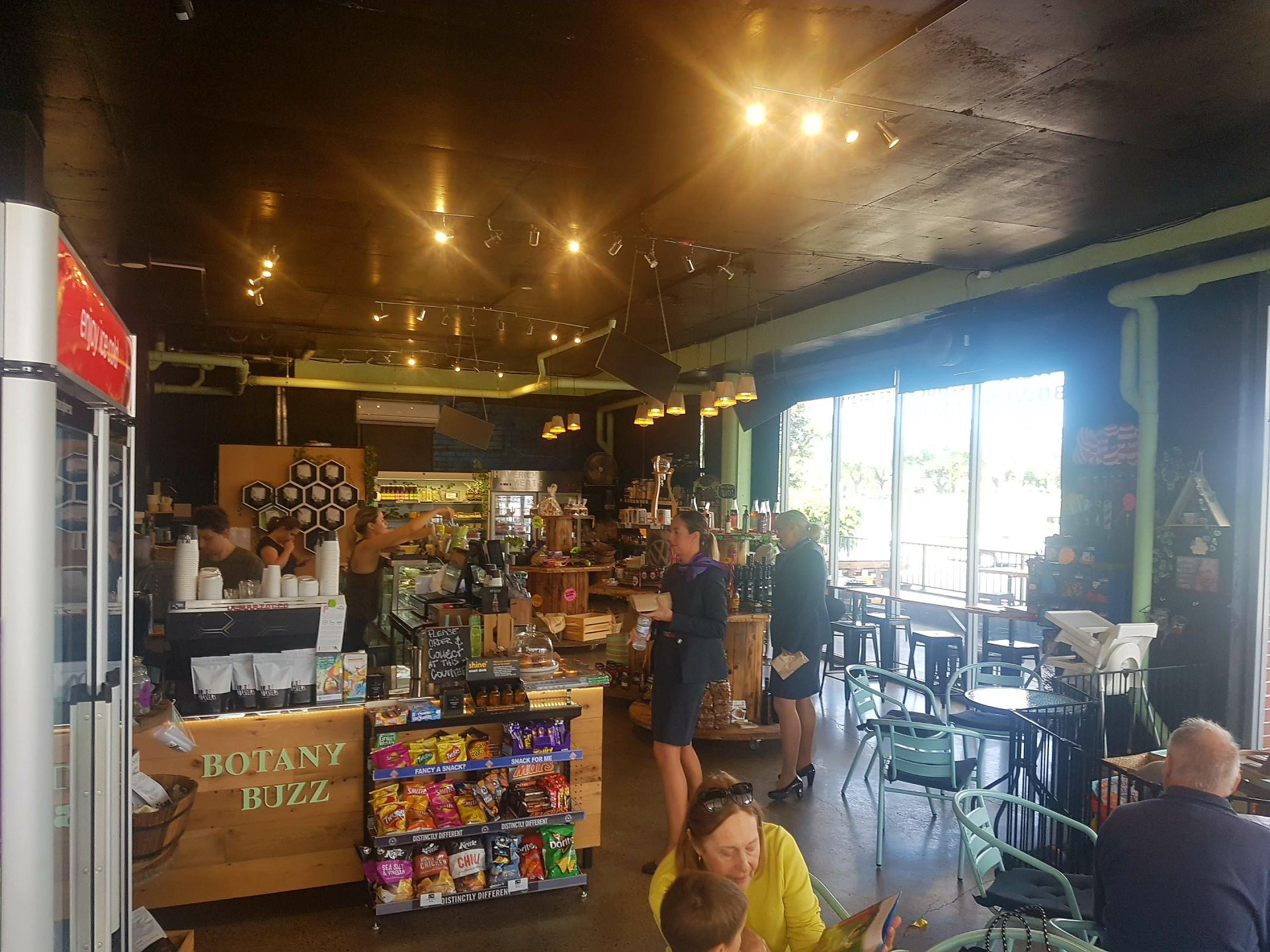 Specialty Convenience store/cafe - great profits & lifestyle, with room to grow!