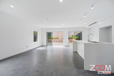 IMMACULATE TOWN HOUSE IN BURWOOD
