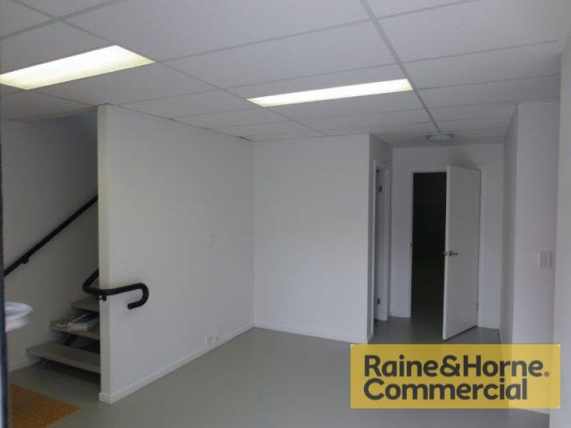 226sqm Well Presented Multi-functional Industrial Unit