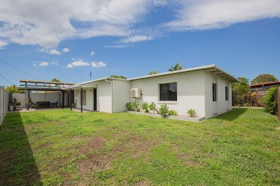 ULTRA PRIVATE RENDERED HOME FULLY RENOVATED IN EXCELLENT LOCATION!