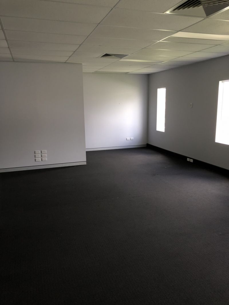 Modern Office Suite In Brendale For Lease