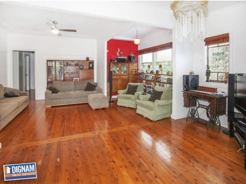 43 George Street, Thirroul NSW