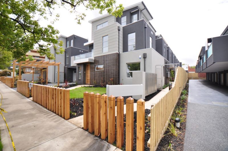 Stunning Two Bedroom, Two Bathroom Townhouse!