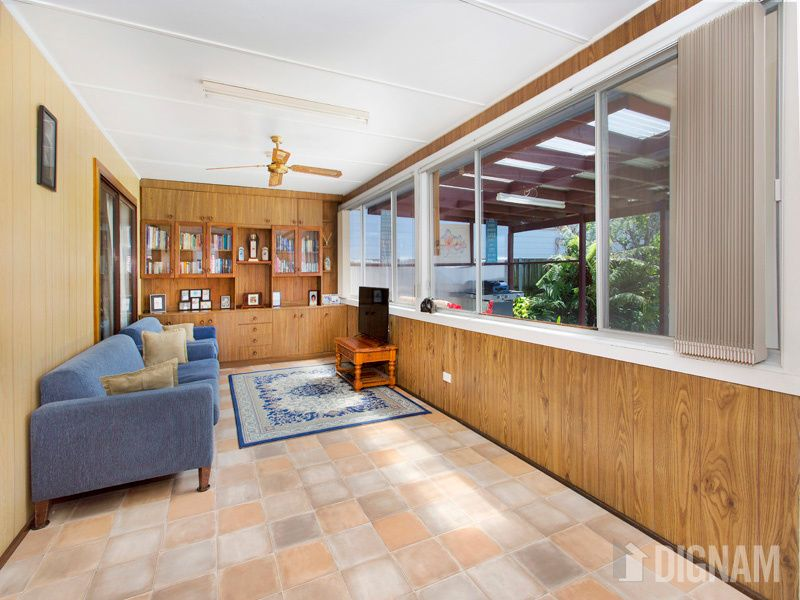 11 Seaview Terrace, Thirroul NSW