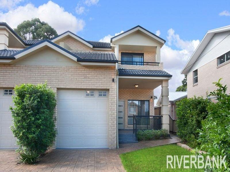 NEAR NEW TORRENS TITLE DUPLEX !