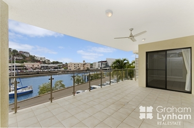 Executive Living In Boutique Waterfront Apartments