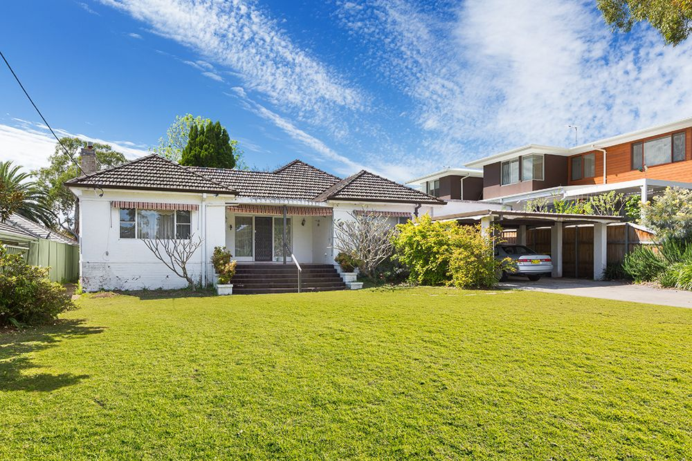 52 Oleander Pde CARINGBAH SOUTH 2229