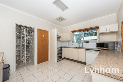 Impeccably Presented with Large Living Areas