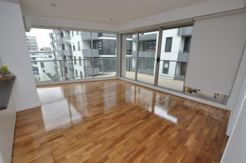 Stunning Two Bedroom Apartment in a Fabulous Location!