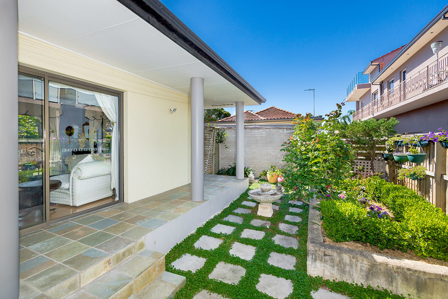 1A Riverview Street, Chiswick
