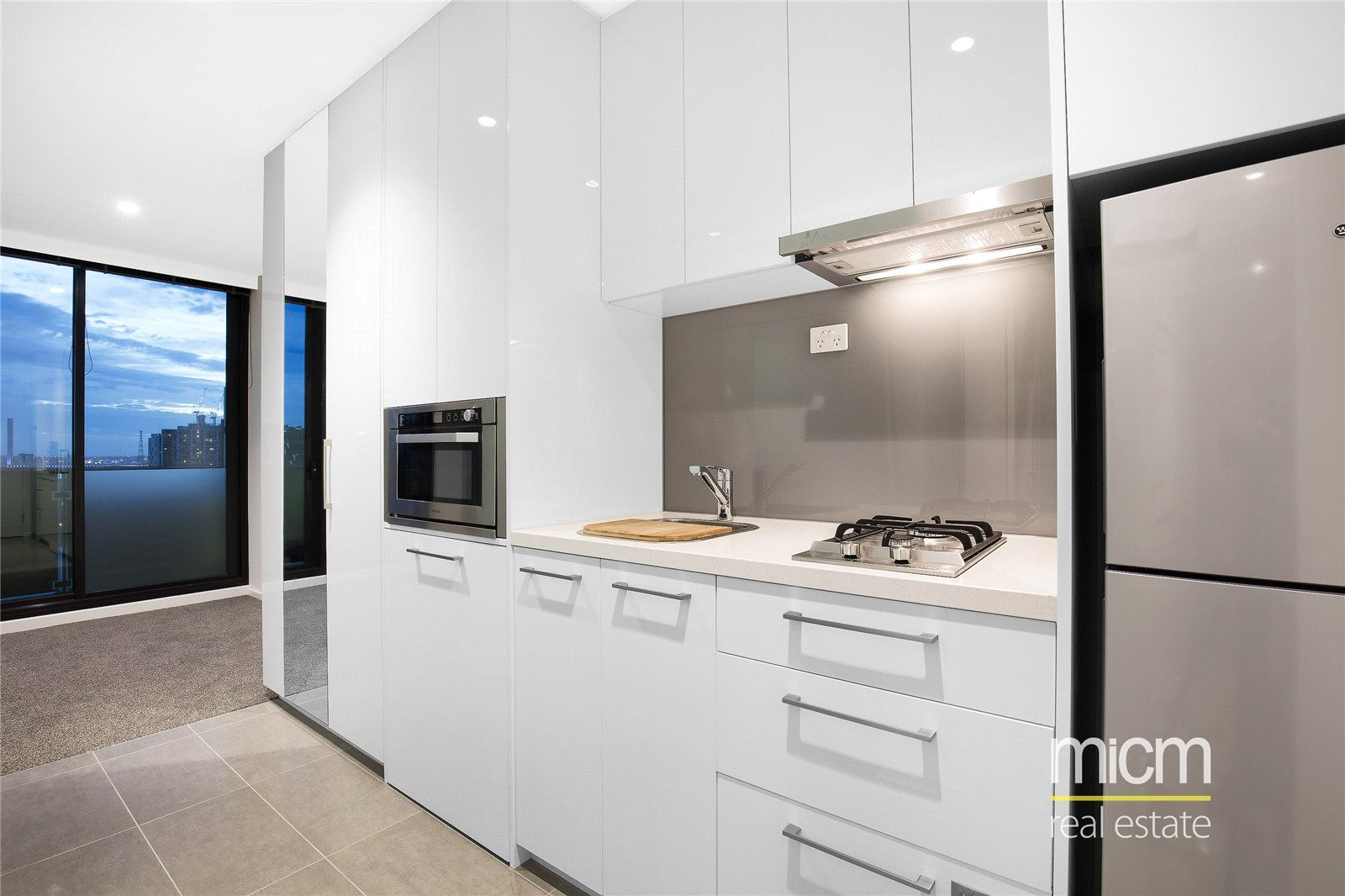Melbourne One: Modern and Spacious One Bedroom Apartment!