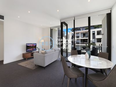 Modern 2-Bedroom with Parking in Idyllic Location