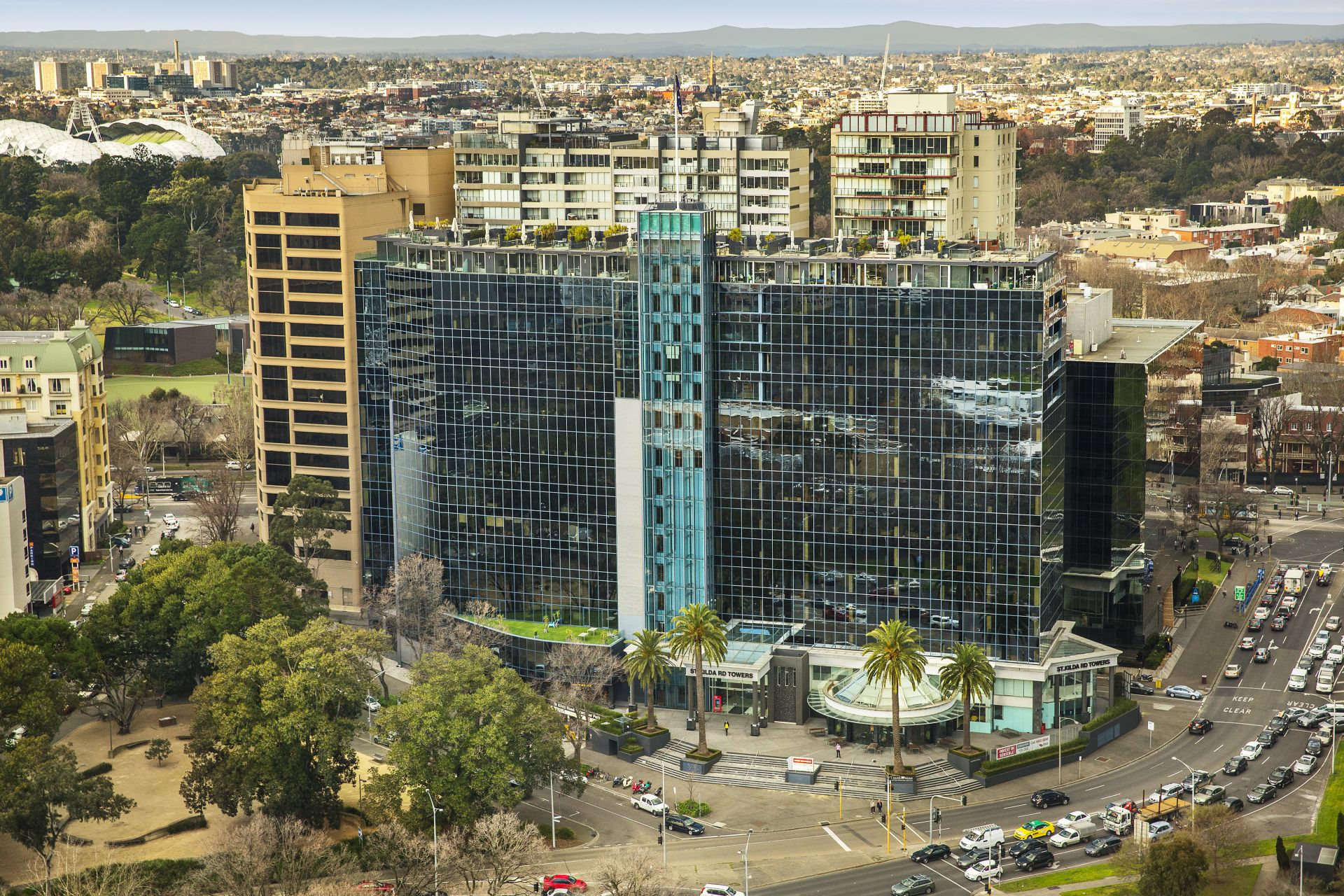 INVESTMENT OPPORTUNITY AT PRESTIGIOUS ST KILDA RD TOWERS