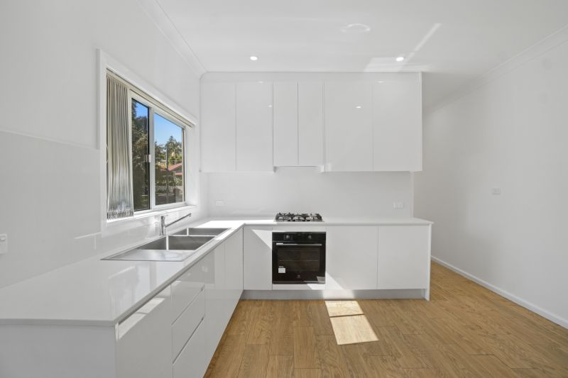 Leased -Space, Comfort And Privacy In Renovated Family Home