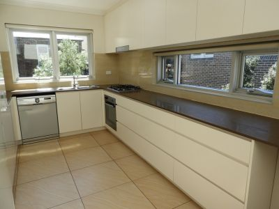 Renovated 3 Bedroom Apartment in the heart of Bronte Furnished/Unfurnished