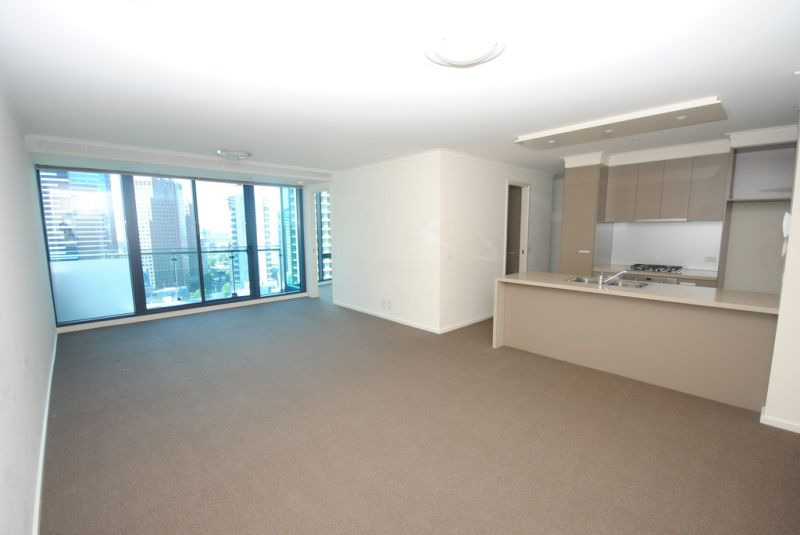 SouthbankONE: 25th Floor - Gorgeous 2 Bedroom Apartment + Separate Study Area!