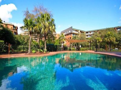 NORTH facing Spacious one bedroom apartment overlooking pool and gardens - A MUST SEE.