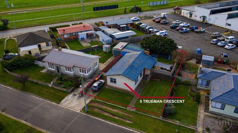 5 Trueman Crescent-2