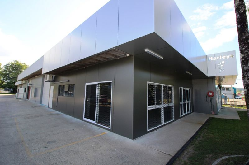 English Street Showroom / Office / Warehouse For Lease