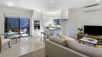 Situated in leafy Donvale this fully refurbished one bedroom unit is set to impress