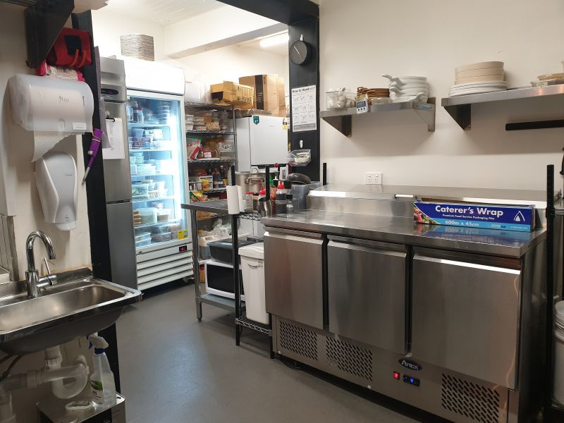 RESTAURANT / CAFE SET-UP JUST 6 MTHS OLD IN PRIME LOCATION - NEAR NEW EQUIPMENT!