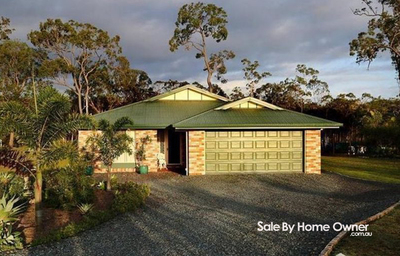 Beautifully Presented Acreage Home in Popular Oakhurst Qld