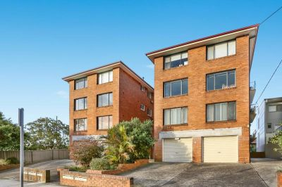 Second floor Unit with Great Views and close to Shops
