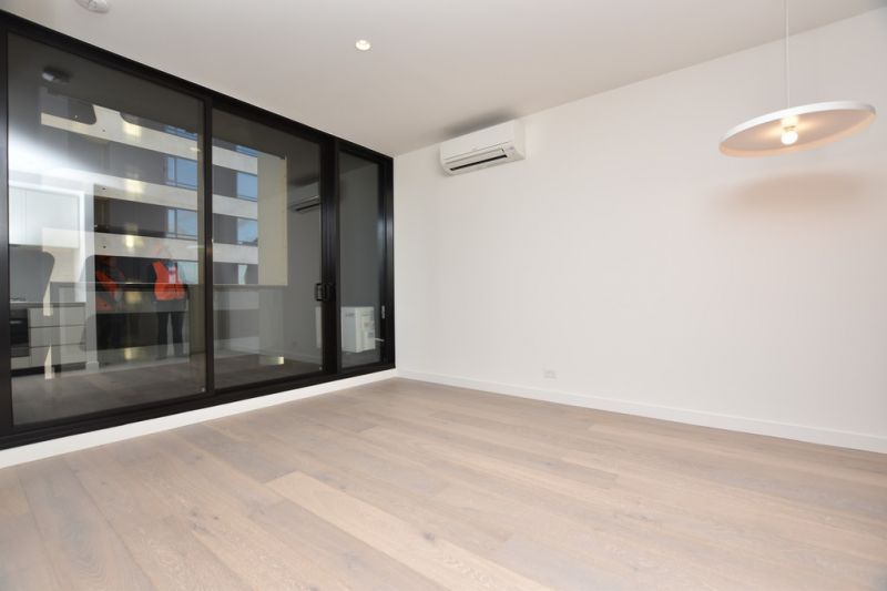 BRAND NEW One Bedroom Apartment in the Stunning 'Empire' Complex!