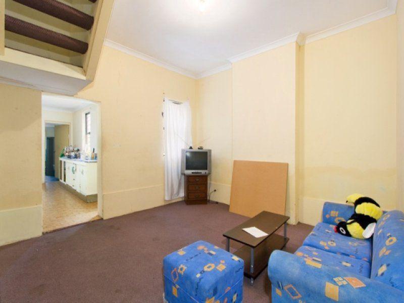 Huge Terrace (3 bedrooms) + Adjoining Block of 4x 1 Bed Units