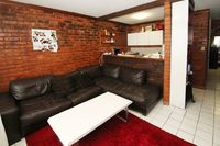 COMPACT ONE BEDROOM APARTMENT RIGHT IN THE HEART OF BONDI JUNCTION