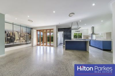Modern 4 Bedroom Home With Polished Concrete Flooring!