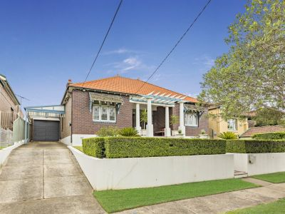 A grand bungalow offering size, light and lifestyle
