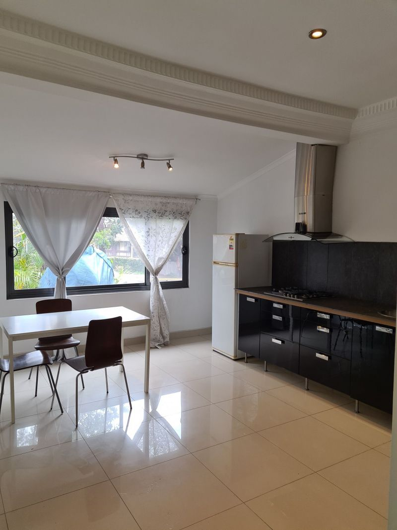 Spacious and updated 1 bedroom flat