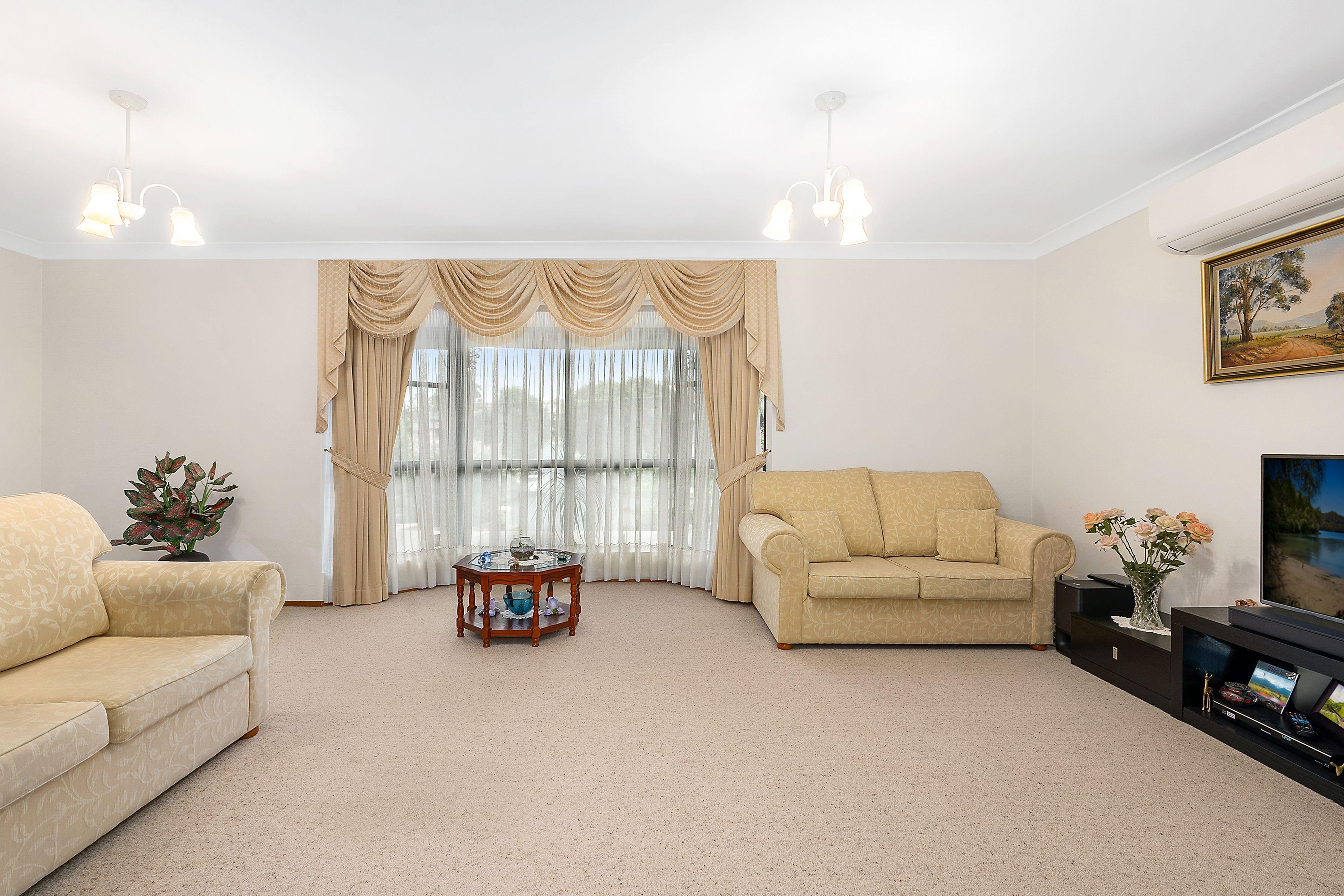 85 Sturt Avenue, Georges Hall NSW 2198