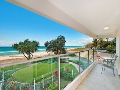 Absolute Beachfront Rennovated Beauty!