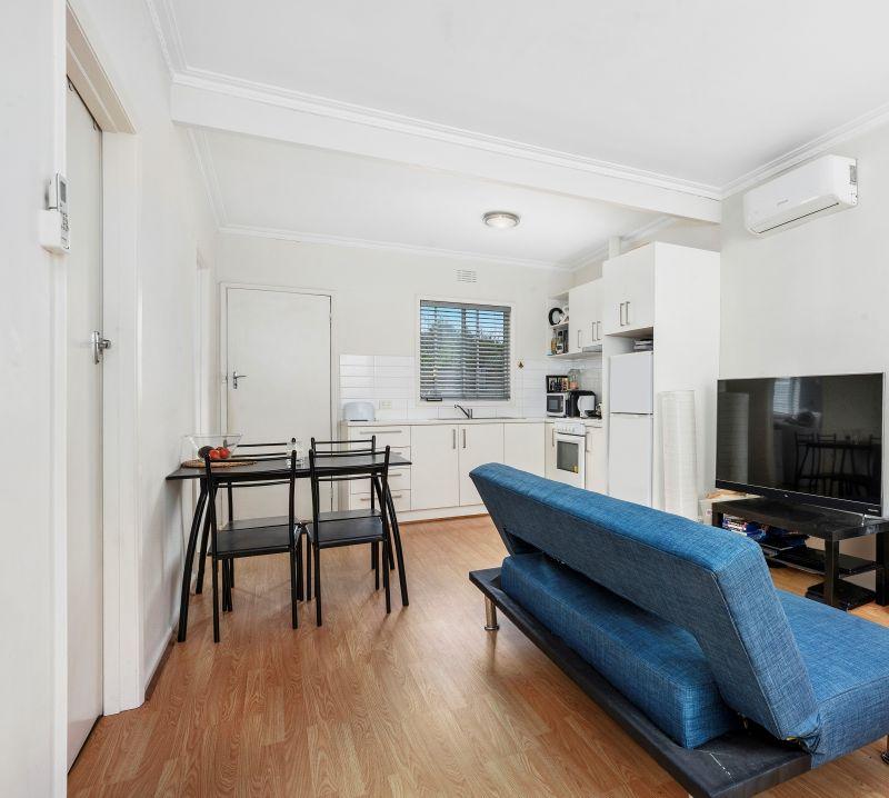 2/3 Walter Street East Geelong